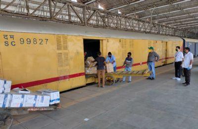 मध्य रेल ने पार्सल परिवहन से अर्जित की 143.94 करोड़ की आय