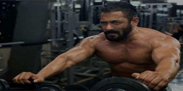'टाइगर 3 ' के लिए जमकर पसीना बहा रहे 'भाईजान' सलमान खान
