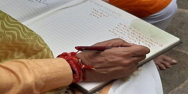 मुख्यमंत्री रूपाणी ने पत्नी संग द्वारकाधीश के किए दर्शन