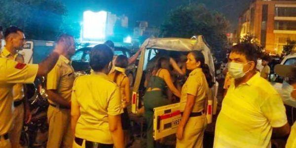 फरीदाबाद : अनैतिक कार्य के आरोपित 50 युवक-युवतियां गिरफ्तार