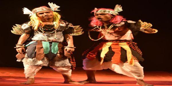 राष्ट्रीय नाट्य समारोह के दूसरे दिन दिखा ''बुरा और भला तथा दहक एक आग''